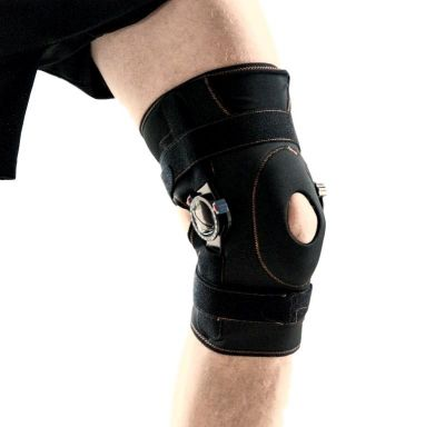 Super Ortho Wikkel kniebandage met instelbare scharnieren