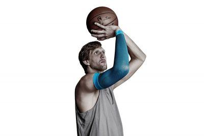 Compressie sleeve NBA Superster Dirk Nowitzk.