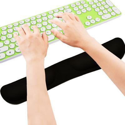 ergolution ergonomische polssteun voor toetsenbord in gebruik
