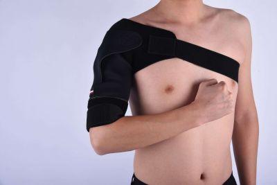 Gladiator sports premium lichtgewicht schouderbrace om rechterschouder gedragen