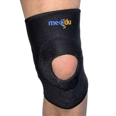 medidu kniebrace gedragen om rechterknie