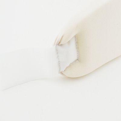 medidu nekbrace binnenkant gefotografeerd