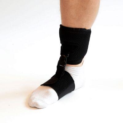 novamed klapvoet brace shoeless accessoire om rechtervoet gedragen
