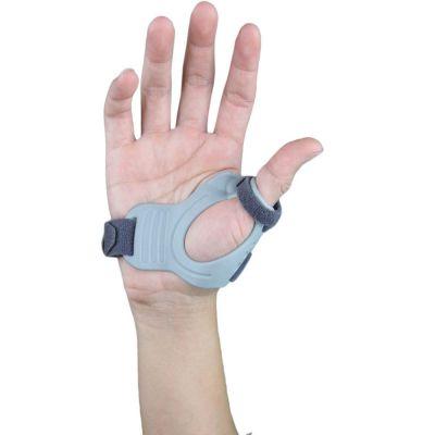 super ortho cmc duimbrace binnenkant van hand gefotografeerd
