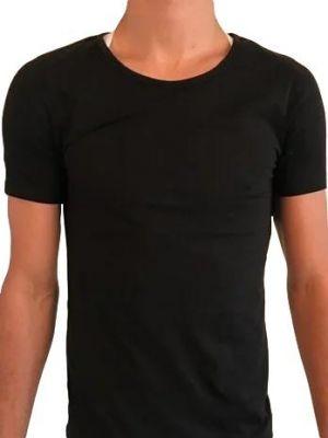 Houding corrector onder het shirt voorkant